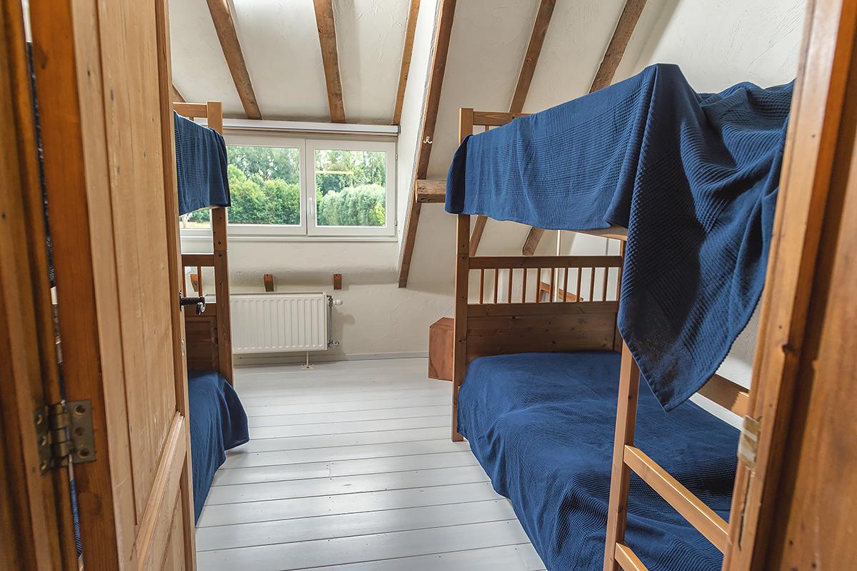 kinderkamer met 2 stapelbedden vakantiehuis voor groepen tot 14 personen