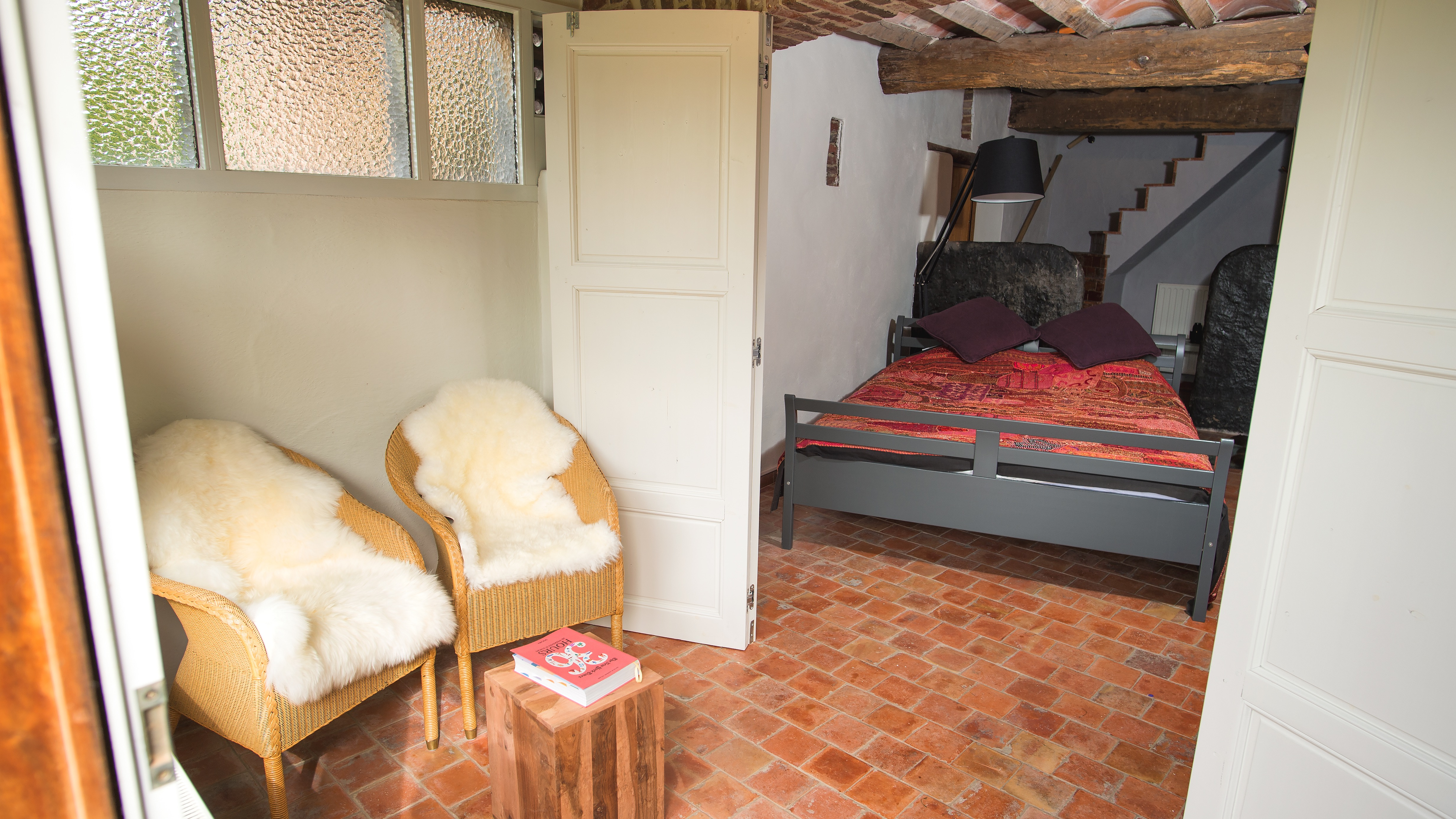 luxueuze slaapkamer met dubbelbed vakantiewoning voor groepen vlaamse ardennen
